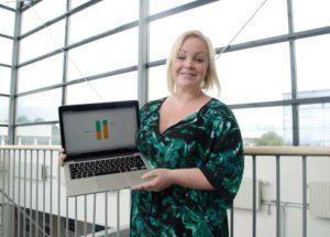 Caroline Eklund och hennes forskarkolleger utvecklar ett webbprogram där man kan analysera sin stress och få häjlp att dämpa den. Foto: Roland Cox